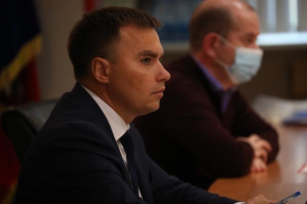 Дмитрий Карасёв: «До наступления зимы повреждённые кровли должны быть отремонтированы»