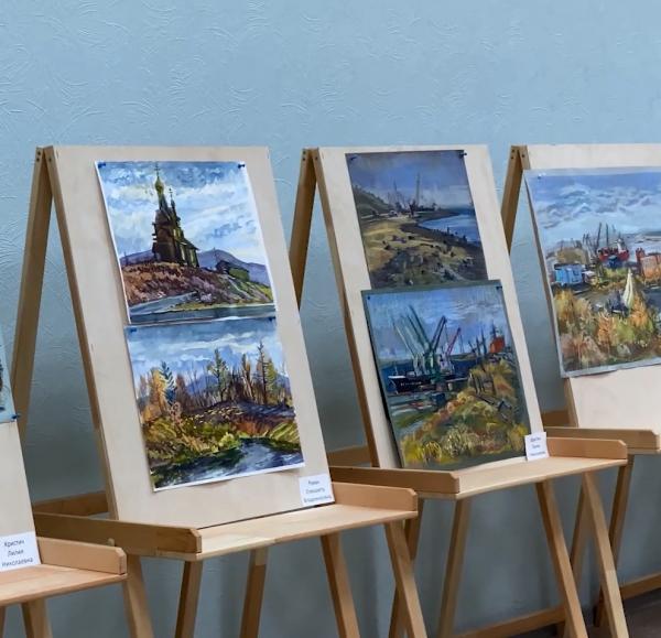 В Норильской детской художественной школе завершилась выставка по итогам участия в III конкурсе-пленэре «Кёнигсберг, Раушен, Кранц: готика, фахверк, модерн»